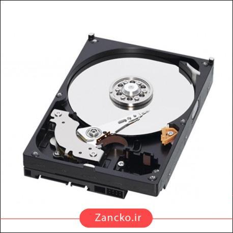 هارد درایو وضعیت جامد یا SSD هارد درایو وضعیت جامد یا SSD یکی از جدیدترین نوع هارد درایو است که قطعه متحرک ندارد بنابراین کمتر در معرض خرابی قرار میگیرد. این هارد درایوها به جای ذخیره داده ها از چیپ های حافظه فلش استافده میکنند و سرعت پردازش داده هم در آن ها بالاتر است. امروزه از درایو SSD در لپ تاپ ها بیشتر استفاده میشود.
